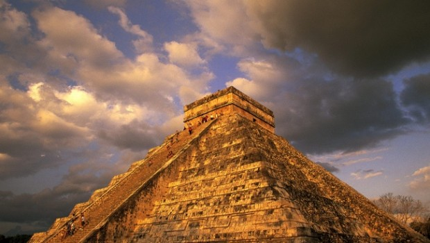 Ancient_Mayan_Ruins_Chichen_Itza_Mexico-650x488