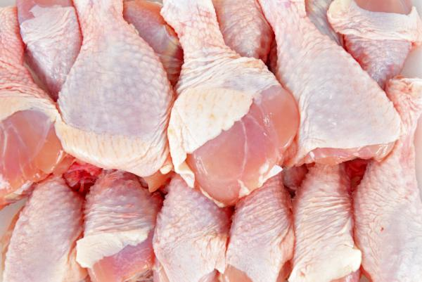 Urinary Tract Infections Linked to Contaminated Chicken