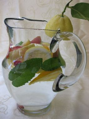 pitcher-of-fruit-water