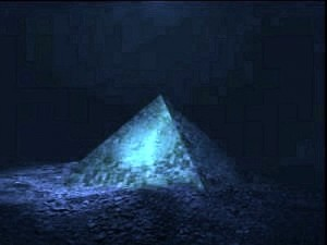 Giant-Crystal-Pyramid-Discovered-In-Bermuda-Triangle (1)
