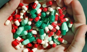 antibiotics_in_hand-300x180
