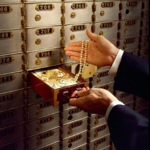 safety-deposit-box-crisisboom