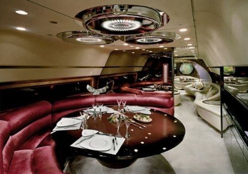 nice-dining-space-in-private-jet
