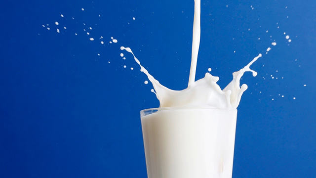 Harvard Scientists Urge You To Stop Drinking Milk