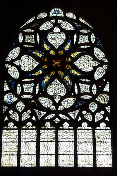 Illuminati-Pentagram-Stained-Glass-Window-Paris-Saint-Merry