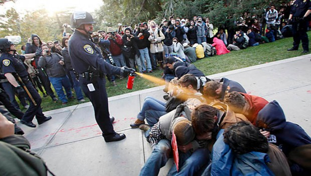 uc-davis-pepper-spray-cop-john-pike.si