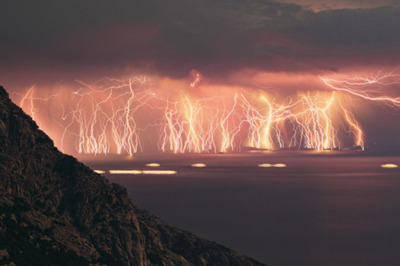 Venezuelan Lightning Storm Lasts 180 Days A Year, 10 Hours A Night In The SAME PLACE.