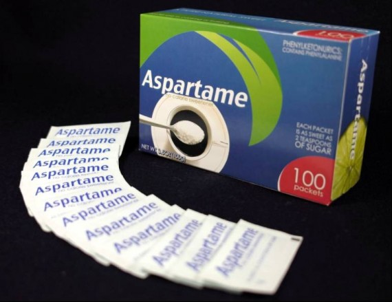 aspartame-packets-570x439