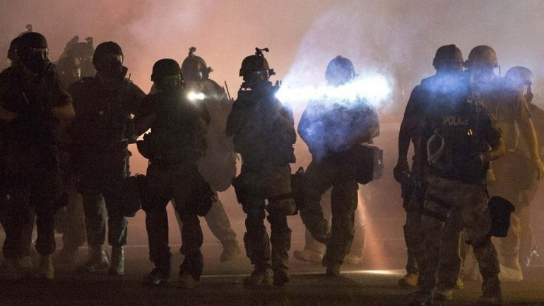 War Zone In Ferguson: How Billions In Military Weapons Ended Up In The Hands Of Local Police
