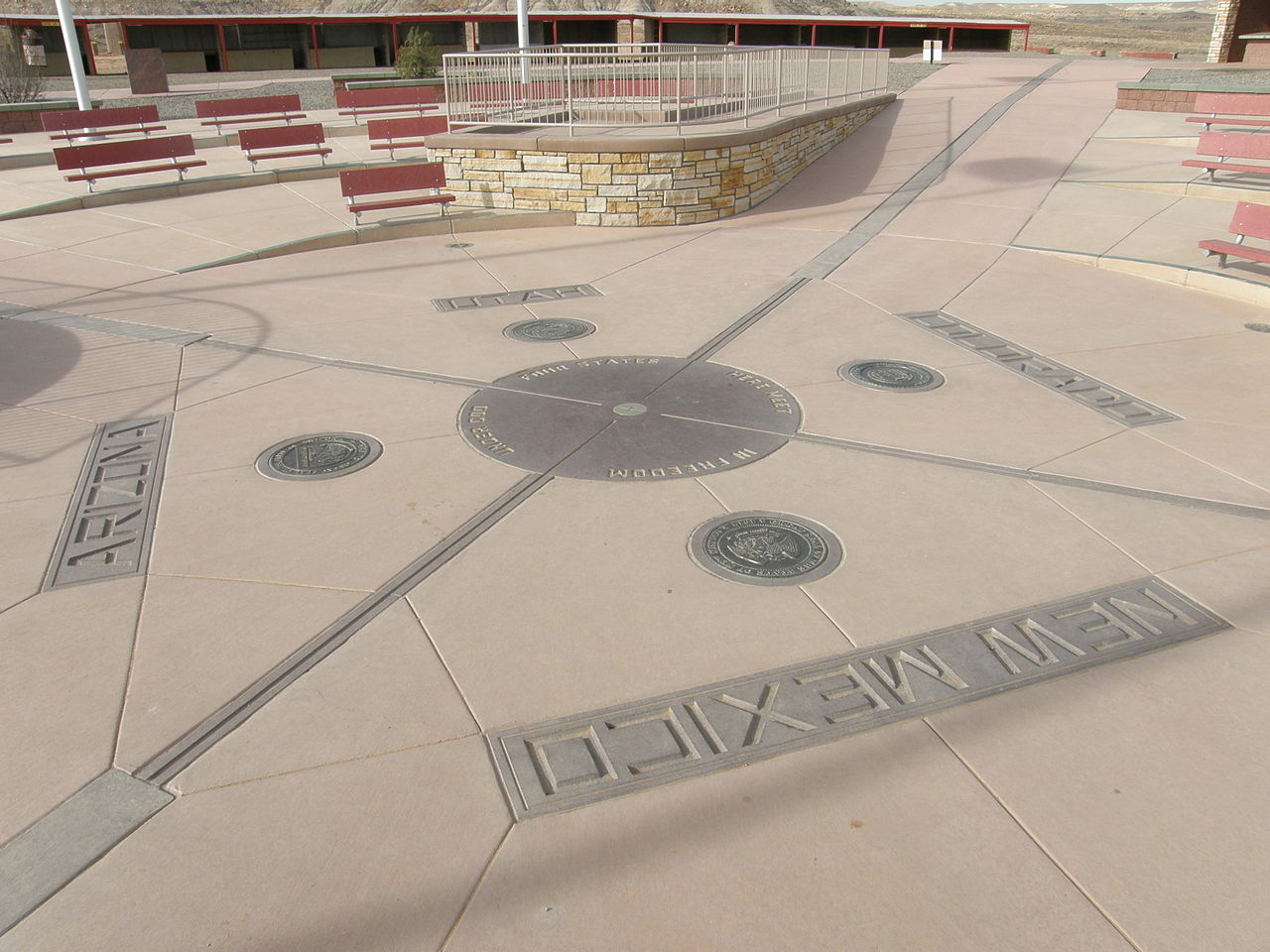 Four_Corners,_NM,_reconstructed_monument_in_2010