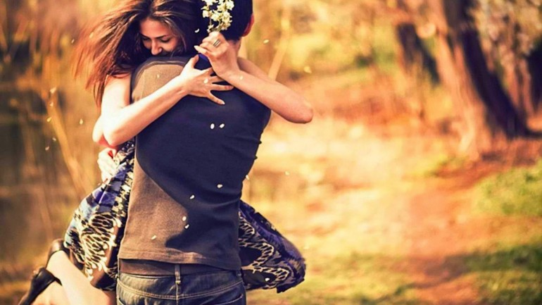 Ten Real Differences Between Being In Love And Loving Someone