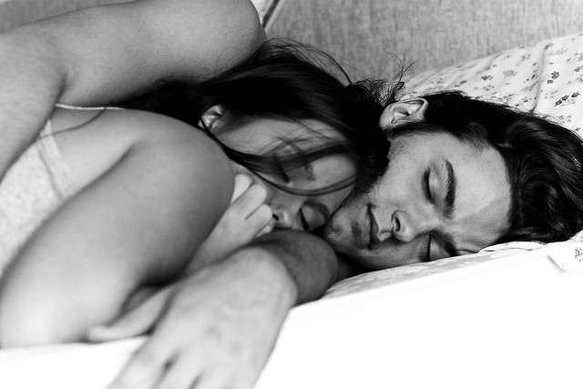 Cuddlers, Rejoice! Science Proves That Sleeping With Someone Else Is Good For Your Health