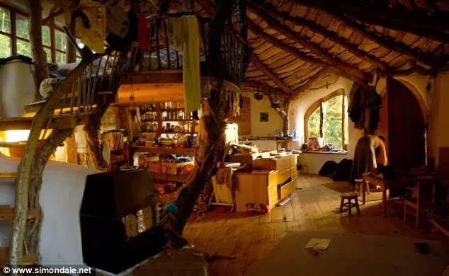 Man_Builds_Fairy_Tale_Home_for_His_Family_Total_Cost_3_000_Hobbit_Home_Interior