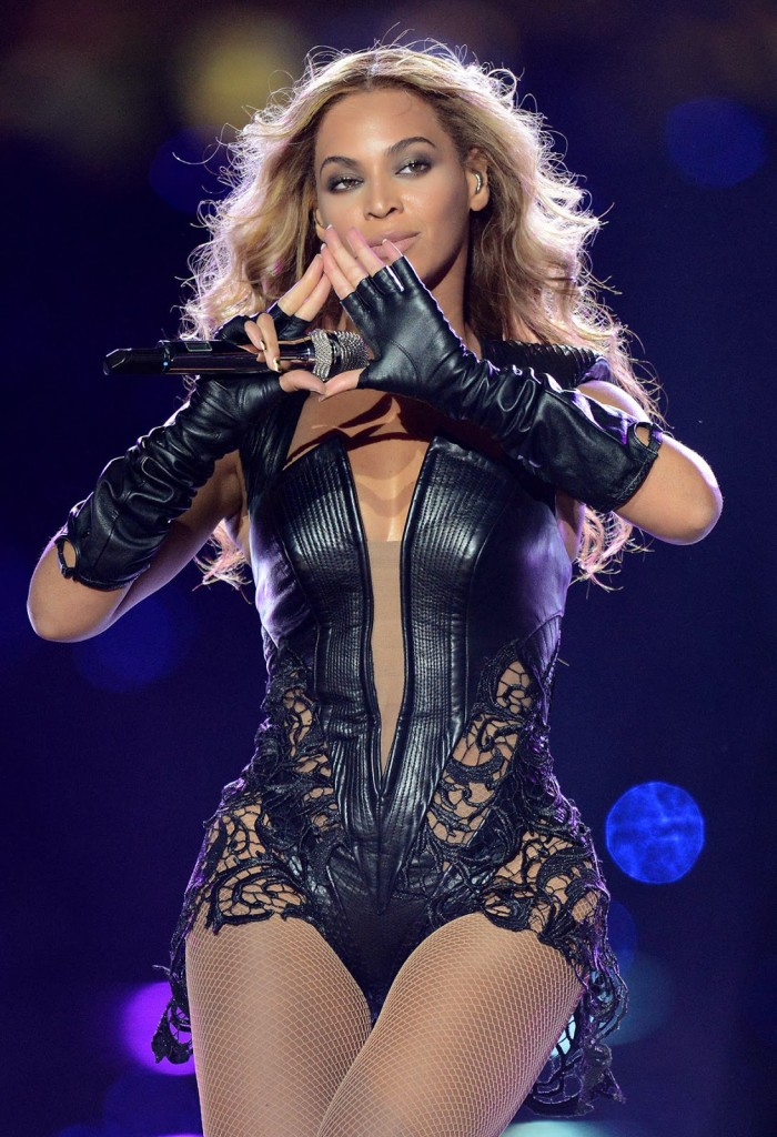 http://worldtruth.tv/wp-content/uploads/2014/11/illuminati-beyonce-sign-700x1024.jpg