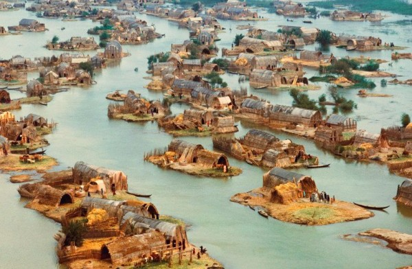 The Mesopotamian Venice: The Lost Floating Homes of Iraq