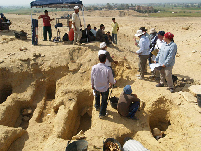 Egyptian Cemetery with 1 Million Bodies Stumps Scientists 9-1