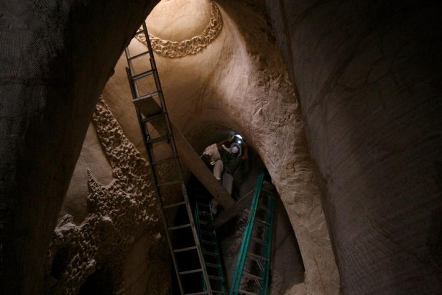 carved-cave-6