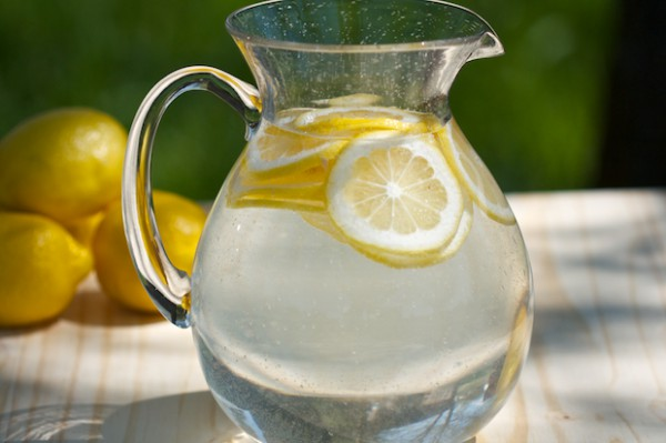 what-is-alkaline-water-and-how-to-make-alkaline-water-600x399