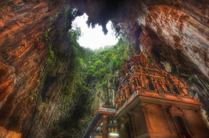 52-Breathtaking-Caves-From-Around-the-World-08