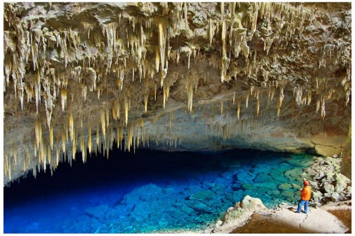 52-Breathtaking-Caves-From-Around-the-World-14