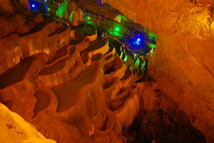 52-Breathtaking-Caves-From-Around-the-World-23