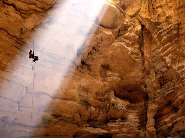 52-Breathtaking-Caves-From-Around-the-World-26
