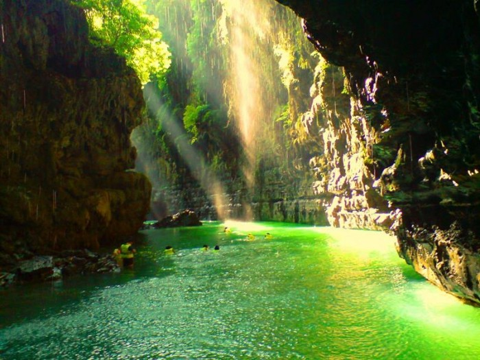 52-Breathtaking-Caves-From-Around-the-World-44