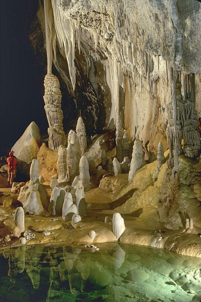 52-Breathtaking-Caves-From-Around-the-World-Title