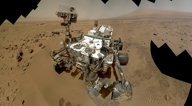 NASA Mars Curiosity Photos Stir Up Conspiracy Theories