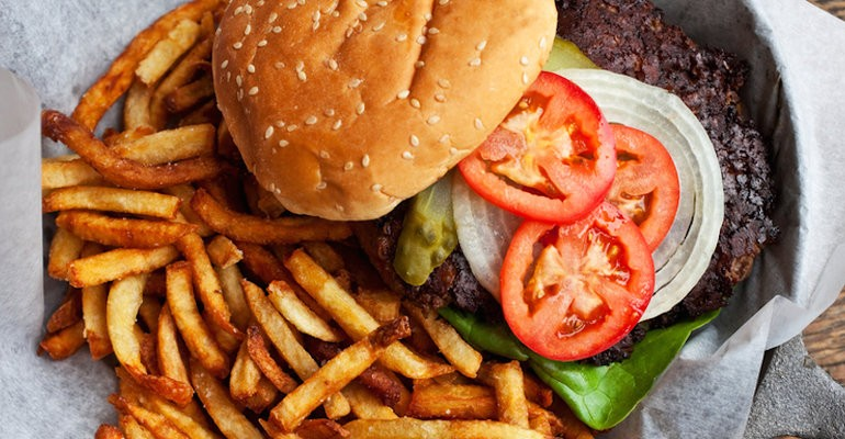 5 Common Chemicals That Are Making You Fat & Depressed