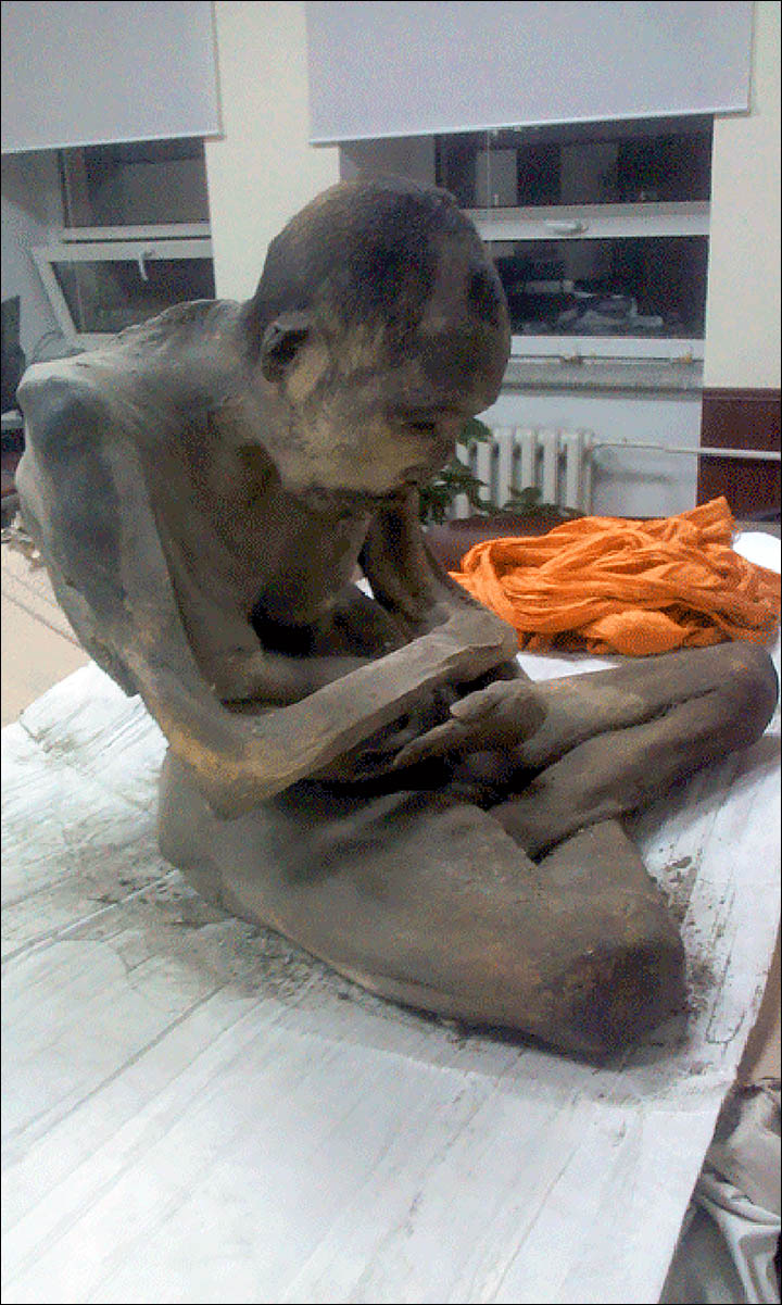 Old mummy in Mongolia Found Meditating in Lotus Position