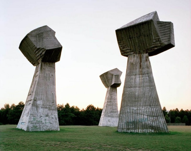 old-monuments-yugoslavia-spomeniks-jan-kempenaers-10