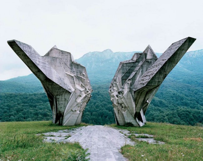 old-monuments-yugoslavia-spomeniks-jan-kempenaers-14