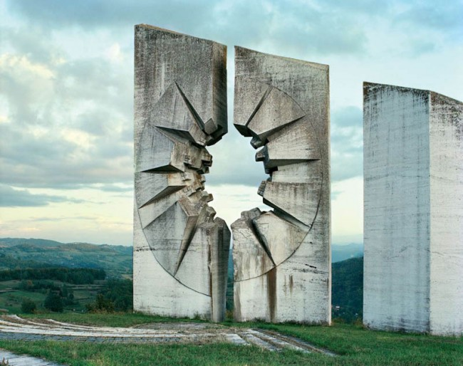 old-monuments-yugoslavia-spomeniks-jan-kempenaers-16
