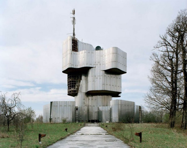 old-monuments-yugoslavia-spomeniks-jan-kempenaers-2