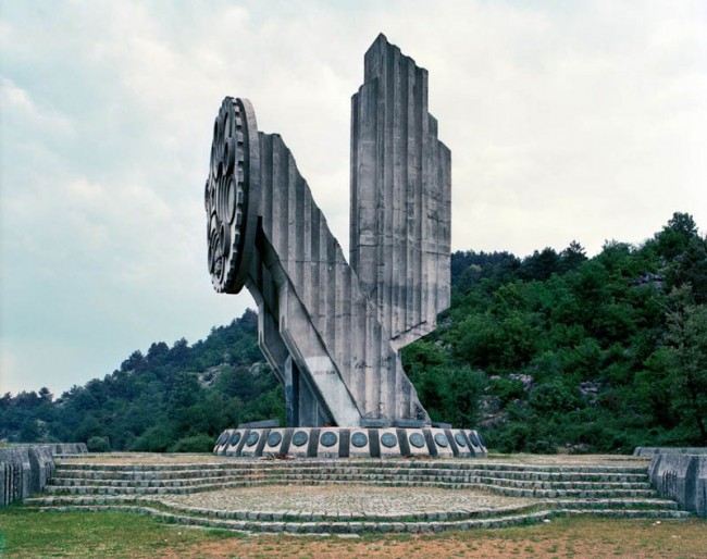 old-monuments-yugoslavia-spomeniks-jan-kempenaers-21