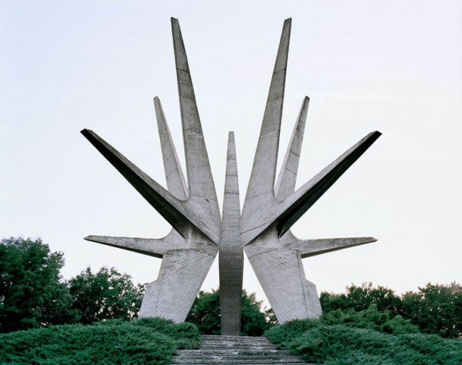 old-monuments-yugoslavia-spomeniks-jan-kempenaers-3