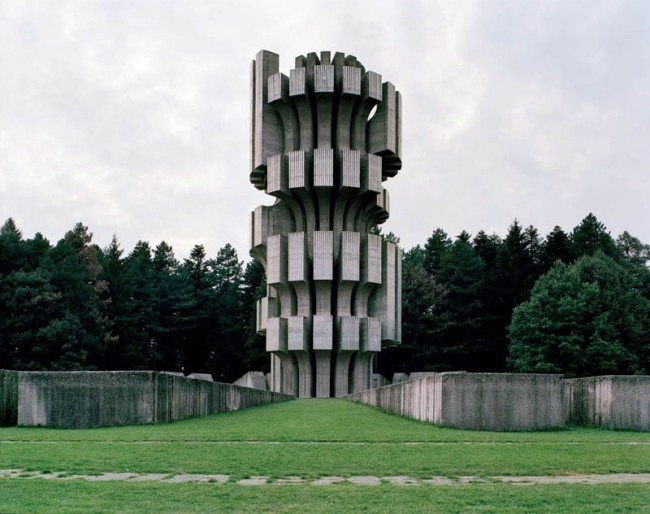 old-monuments-yugoslavia-spomeniks-jan-kempenaers-5