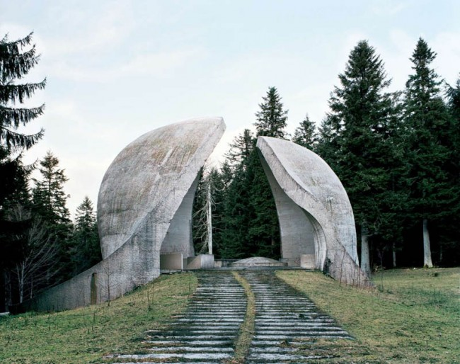 old-monuments-yugoslavia-spomeniks-jan-kempenaers-6