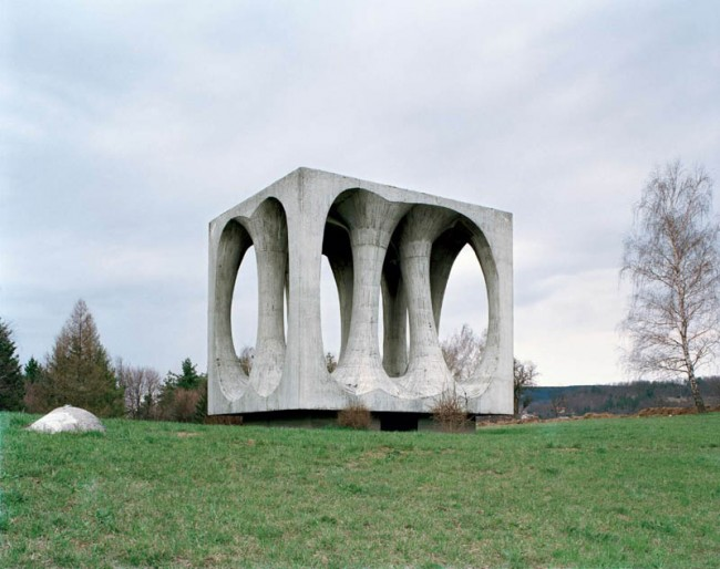 old-monuments-yugoslavia-spomeniks-jan-kempenaers-7
