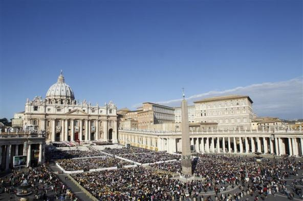 "Vatican Calls for ""Central World Bank"" To Be Set Up Across The World St-peters-basilica"