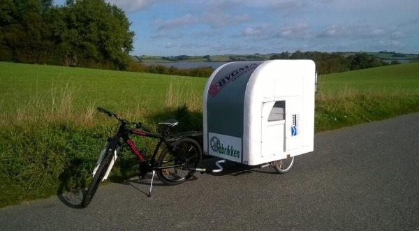Lightweight Bicycle Micro Camper: You Can Tow It With Your Bicycle