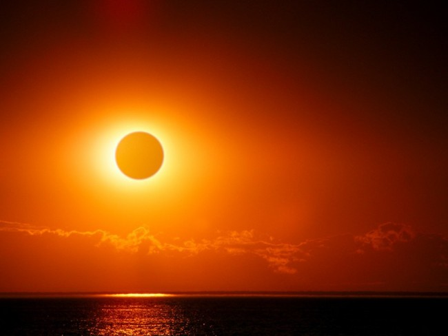 A_very_rare_supermoon_eclipse-3fe19f35102999ee8a835b263bb9f4aa1