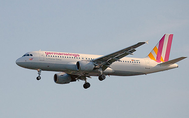 Germanwings_E77GKG_3243274b