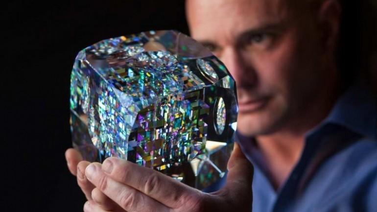 Artist Create Stunning Glass Sculptures Using Fibonacci Ratios