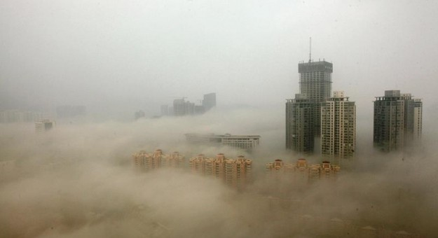 buildings-covered-in-smog-625x340