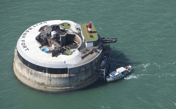 See This Thing Floating In The Middle Of Seemingly Nowhere? Well, You're In For A Big Shock