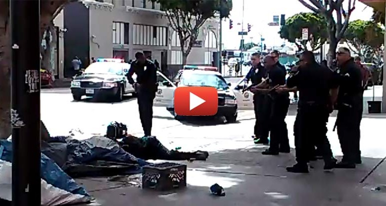 LAPD Execute Mentally Ill Homeless Man in the Street