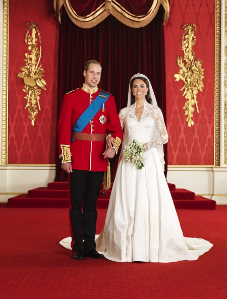 0501-1-royal-wedding-official-portraits-prince-william-princess-kate_we