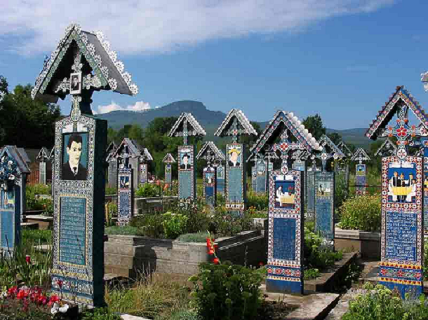The-Merry-Graveyard-Sapanta-Romania